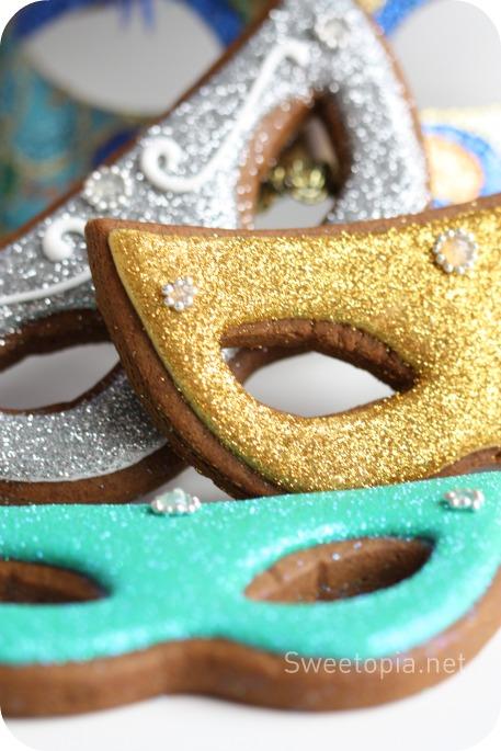 Mardi Gras Cookies Tutorial by Sweetopia