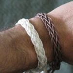 finger loop braiding bracelet
