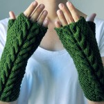 Green Fingerless Gloves by Elde