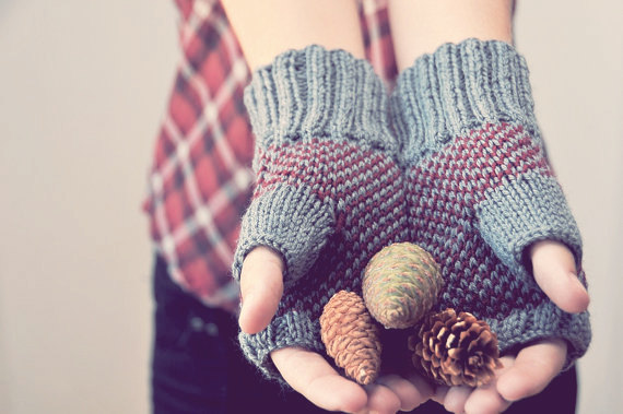 Plaid Fingerless Gloves by Elde